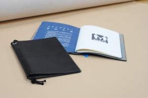 革のノート・パスポートカバー
